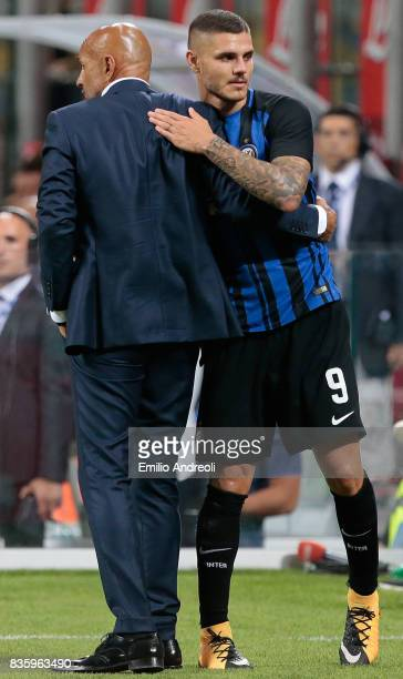 Mauro Emanuel Icardi of FC Internazionale Milano greets FC Internazionale Milano coach Luciano Spalletti during the Serie A match between FC...