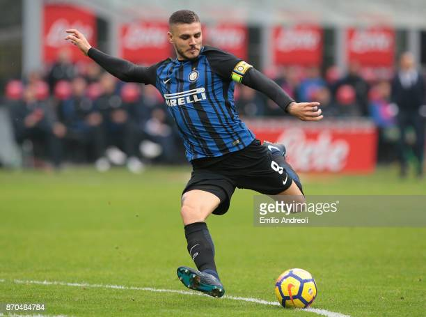 Mauro Emanuel Icardi of FC Internazionale Milano kicks the ball during the Serie A match between FC Internazionale and Torino FC at Stadio Giuseppe...