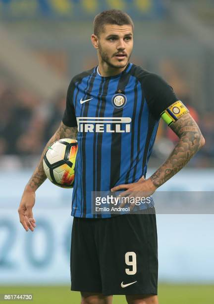 Mauro Emanuel Icardi of FC Internazionale Milano looks on during the Serie A match between FC Internazionale and AC Milan at Stadio Giuseppe Meazza...