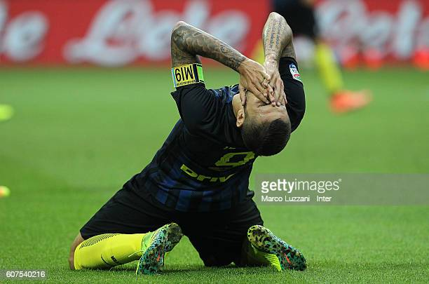 Mauro Emanuel Icardi of FC Internazionale Milano reacts to a missed chance during the Serie A match between FC Internazionale and Juventus FC at...