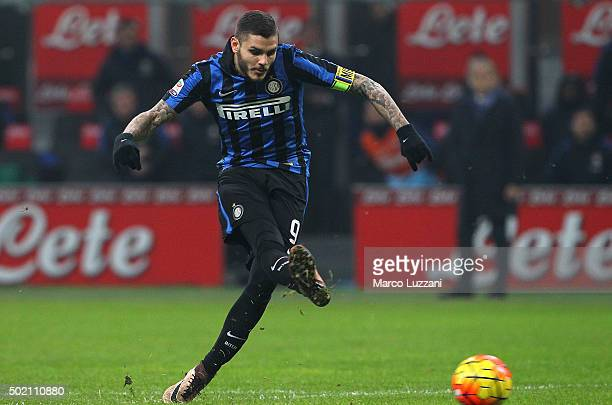 Mauro Emanuel Icardi of FC Internazionale Milano scores his goal during the Serie A match between FC Internazionale Milano and SS Lazio at Stadio...