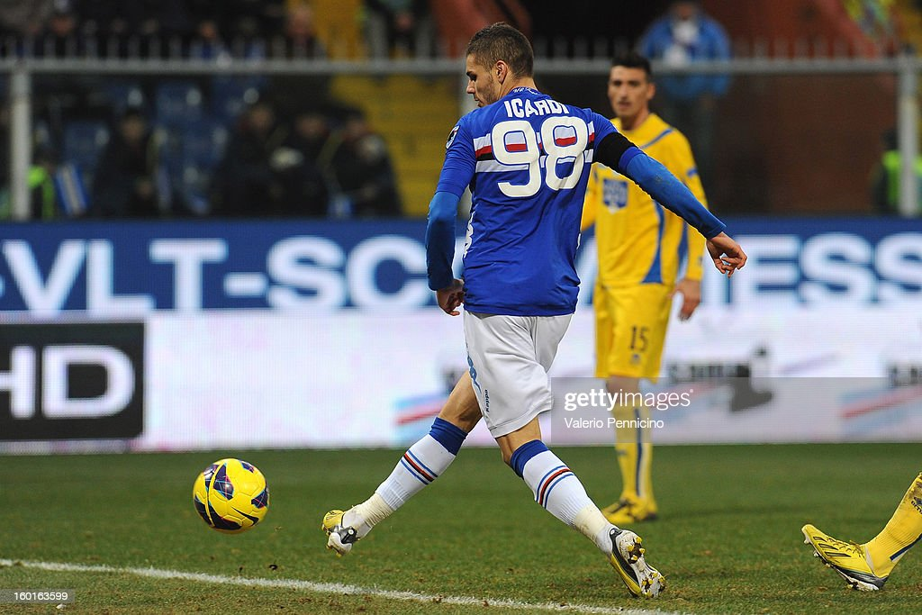 Mauro Emanuel Icardi of UC Sampdoria scores his third goal during the Serie A match between UC Sampdoria and Pescara at Stadio Luigi Ferraris on January 27, 2013 in Genoa, Italy.