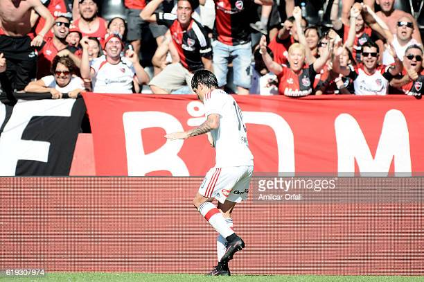 Mauro Formica of Newell's Old Boys celebrates after scoring the first goal of his team during a match between Newell's Old Boys and San Lorenzo as...