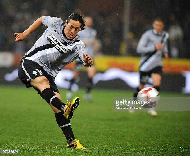 Mauro German Camoranesi of Juventus FC in action during the Serie A match between UC Sampdoria and Juventus FC at Stadio Luigi Ferraris on March 21...