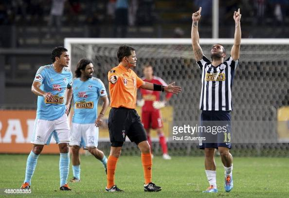 Mauro Guevgeozian of Alianza Lima celebrates a scored goal against Sporting Cristal during a match between Alianza Lima and Sporting Cristal as part...