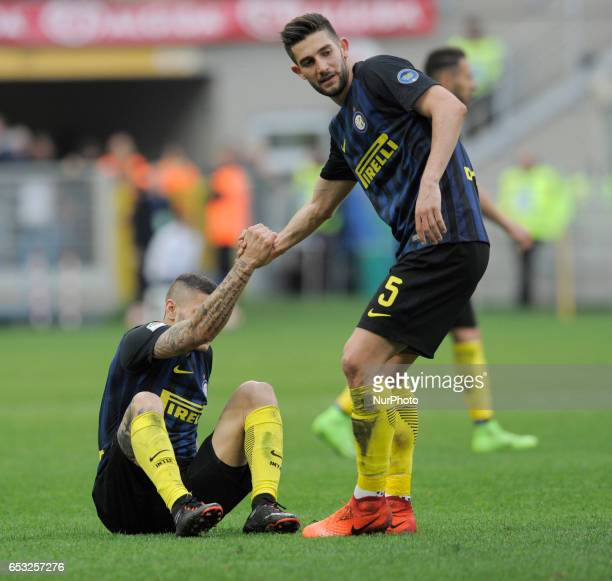 Mauro Icardi and Roberto Gagliardini of Inter during the Serie A match between FC Internazionale and Atalanta at Stadio Giuseppe Meazza on March 12...