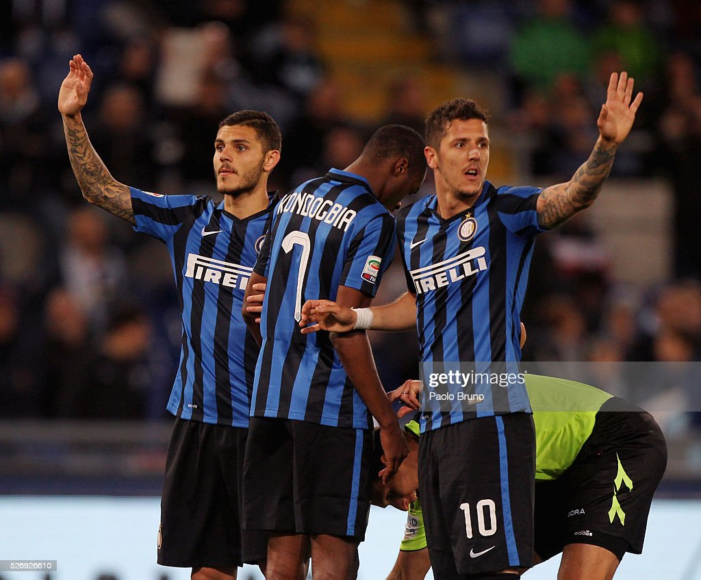 Mauro Icardi and Stevan Jovetic #10 of FC Internazionale Milano gesture during the Serie A match between SS Lazio and FC Internazionale Milano at Stadio Olimpico on May 1, 2016 in Rome, Italy.