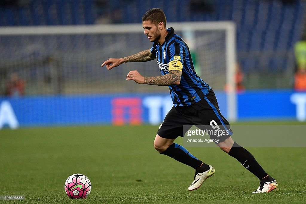 Mauro Icardi of FC Inter in action during the Serie A match between SS Lazio and FC Internazionale Milano at Stadio Olimpico on May 1, 2016 in Rome, Italy.