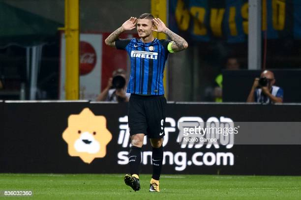 Mauro Icardi of FC Internazionale celebrates after scoring a goal during the Serie A football match between FC Internazionale and ACF Fiorentina FC...