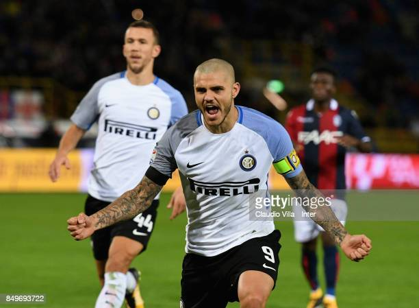 Mauro Icardi of FC Internazionale celebrates after scoring the first goal during the Serie A match between Bologna FC and FC Internazionale at Stadio...