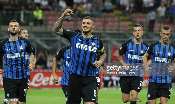 Mauro Icardi of FC Internazionale celebrates after scoring the opening goal during the Serie A match between FC Internazionale and ACF Fiorentina at...