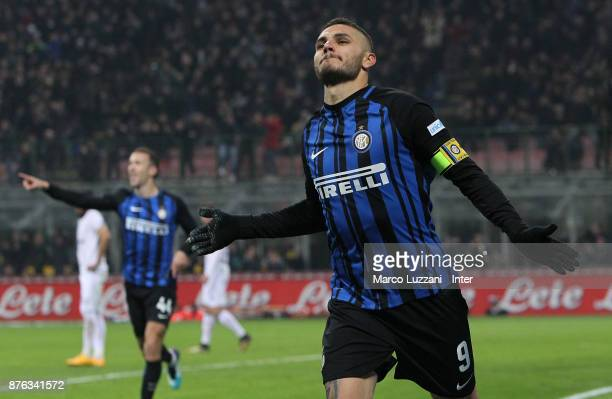 Mauro Icardi of FC Internazionale celebrates after scoring the goal during the Serie A match between FC Internazionale and Atalanta BC at Stadio...