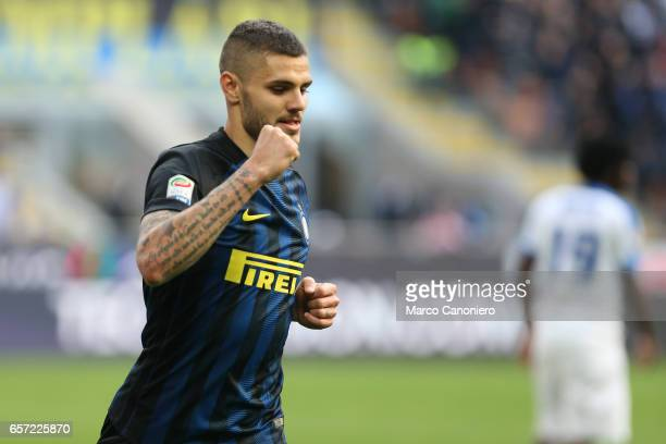 Mauro Icardi of FC Internazionale celebrates after scoring the second goal during the Serie A match between FC Internazionale and Atalanta BC at...