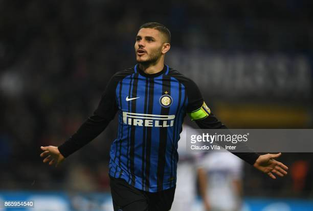 Mauro Icardi of FC Internazionale celebrates after scoring the third goal during the Serie A match between FC Internazionale and UC Sampdoria at...
