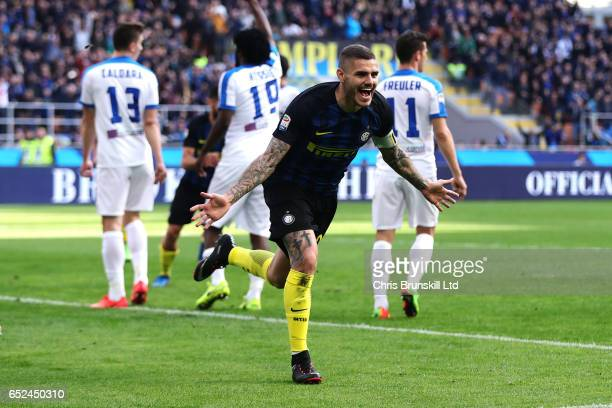 Mauro Icardi of FC Internazionale celebrates scoring the opening goal during the Serie A match between FC Internazionale and Atalanta BC at Stadio...