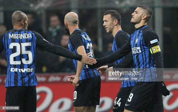 Mauro Icardi of FC Internazionale celebrates with teammates after scoring the opening goal during the Serie A match between FC Internazionale and...