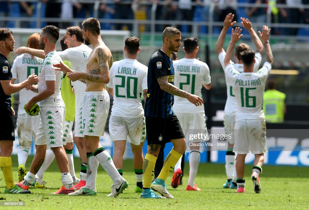Mauro Icardi of FC Internazionale gestures during the Serie A match between FC Internazionale and US Sassuolo at Stadio Giuseppe Meazza on May 14, 2017 in Milan, Italy.