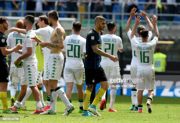 Mauro Icardi of FC Internazionale gestures during the Serie A match between FC Internazionale and US Sassuolo at Stadio Giuseppe Meazza on May 14...
