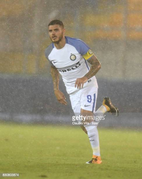 Mauro Icardi of FC Internazionale in action during the PreSeason Friendly match between FC Internazionale and Real Betis at Stadio Via del Mare on...