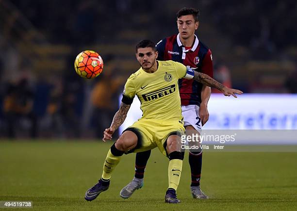 Mauro Icardi of FC Internazionale in action during the Serie A match between Bologna FC and FC Internazionale Milano at Stadio Renato Dall'Ara on...