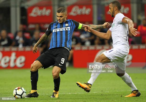 Mauro Icardi of FC Internazionale in action during the Serie A match between FC Internazionale and ACF Fiorentina at Stadio Giuseppe Meazza on August...