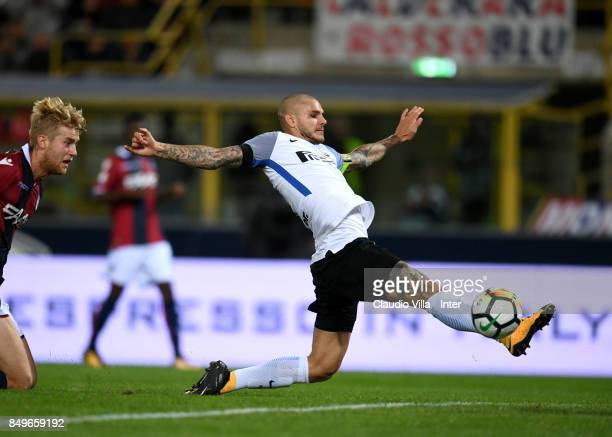 Mauro Icardi of FC Internazionale in action during the Serie A match between Bologna FC and FC Internazionale at Stadio Renato Dall'Ara on September...