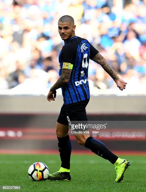Mauro Icardi of FC Internazionale in action during the Serie A match between FC Internazionale and Genoa CFC at Stadio Giuseppe Meazza on September...