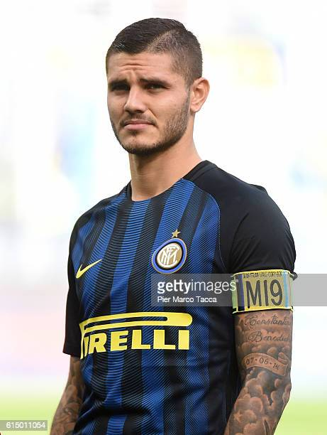Mauro Icardi of FC Internazionale looks during the Serie A match between FC Internazionale and Cagliari Calcio at Stadio Giuseppe Meazza on October...
