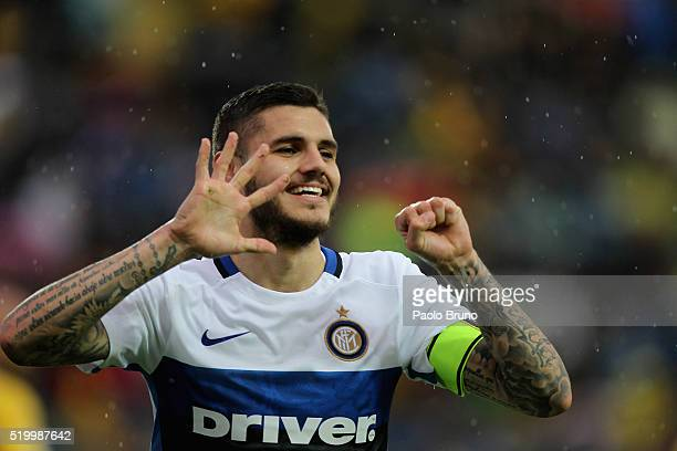 Mauro Icardi of FC Internazionale Milano celebrates after scoring the opening goal during the Serie A match between Frosinone Calcio and FC...