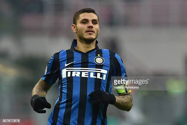 Mauro Icardi of FC Internazionale Milano looks on during the Serie A match between FC Internazionale Milano and Carpi FC at Stadio Giuseppe Meazza on...