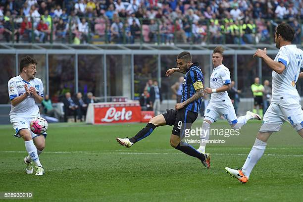 Mauro Icardi of FC Internazionale Milano scores the opening goal during the Serie A match between FC Internazionale Milano and Empoli FC at Stadio...