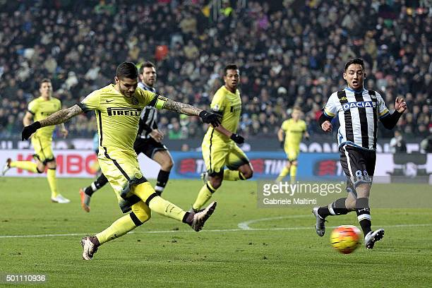 Mauro Icardi of FC Internazionale Milano scores their fist goal during the Serie A match betweeen Udinese Calcio and FC Internazionale Milano at...