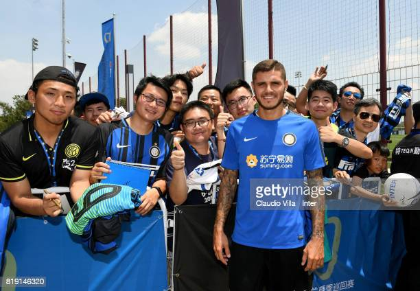Mauro Icardi of FC Internazionale pose with fans after a FC Interazionale training session at Suning training center on July 20 2017 in Nanjing China
