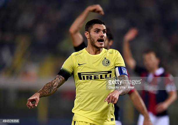 Mauro Icardi of FC Internazionale reacts during the Serie A match between Bologna FC and FC Internazionale Milano at Stadio Renato Dall'Ara on...