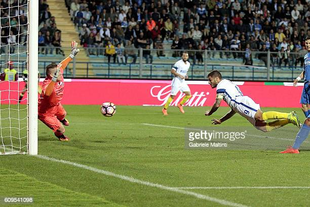 Mauro Icardi of FC Internazionale scores the opening goal during the Serie A match between Empoli FC and FC Internazionale at Stadio Carlo Castellani...