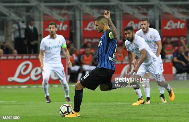Mauro Icardi of FC Internazionale scores the opening goal during the Serie A match between FC Internazionale and ACF Fiorentina at Stadio Giuseppe...