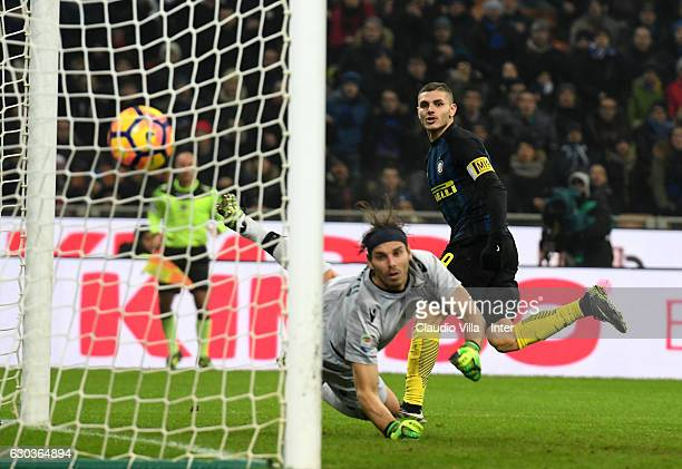Mauro Icardi of FC Internazionale scores the second goal during the Serie A match between FC Internazionale and SS Lazio at Stadio Giuseppe Meazza on...