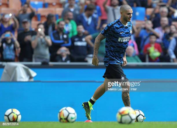 Mauro Icardi of FC Internazionale warms up ahead of the Serie A match between FC Internazionale and Genoa CFC at Stadio Giuseppe Meazza on September...