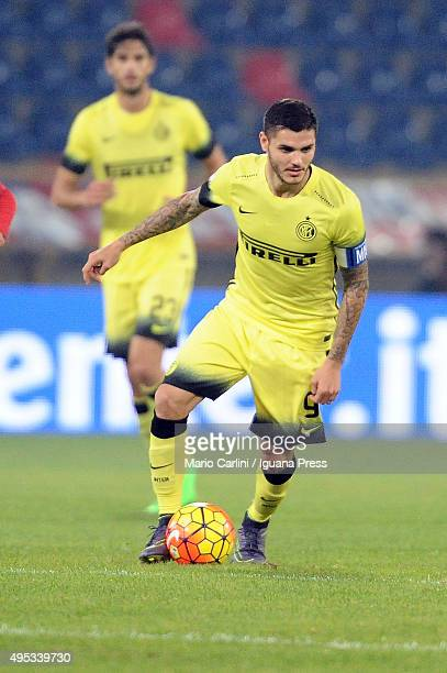 Mauro Icardi of Internazionale Milano in action during the Serie A match between Bologna FC and FC Internazionale Milano at Stadio Renato Dall'Ara on...