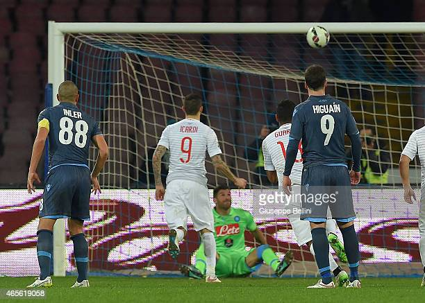 Mauro Icardi of Internazionale Milano kicks the penalty and scores the goal 22 during the Serie A match between SSC Napoli and FC Internazionale...