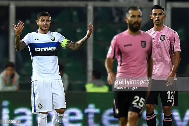 Mauro Icardi of Palermo gestures during the Serie a match between US Citta di Palermo and FC Internazionale Milano at Stadio Renzo Barbera on October...