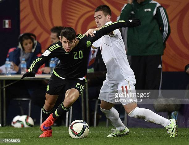 Mauro Lainez of Mexico fights for the ball with Andrija Zivkovic of Serbia during the FIFA Under20 World Cup football match between Mexico and Serbia...