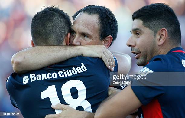 Mauro Matos of San Lorenzo celebrates with his teammates after scoring the third goal of his team during the 4th round match between San Lorenzo and...