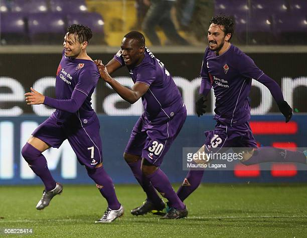 Mauro Zarate of Fiorentina celebrates afetr scoring the winning goal during the Serie A match between ACF Fiorentina and Carpi FC at Stadio Artemio...