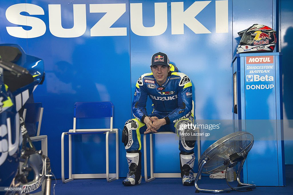 <a gi-track='captionPersonalityLinkClicked' href=/galleries/search?phrase=Maverick+Vinales&family=editorial&specificpeople=7535430 ng-click='$event.stopPropagation()'>Maverick Vinales</a> of Spain and Team Suzuki MotoGP looks on in box during the MotoGP Tests in Sepang - Day One at Sepang Circuit on February 23, 2015 in Kuala Lumpur, Malaysia.