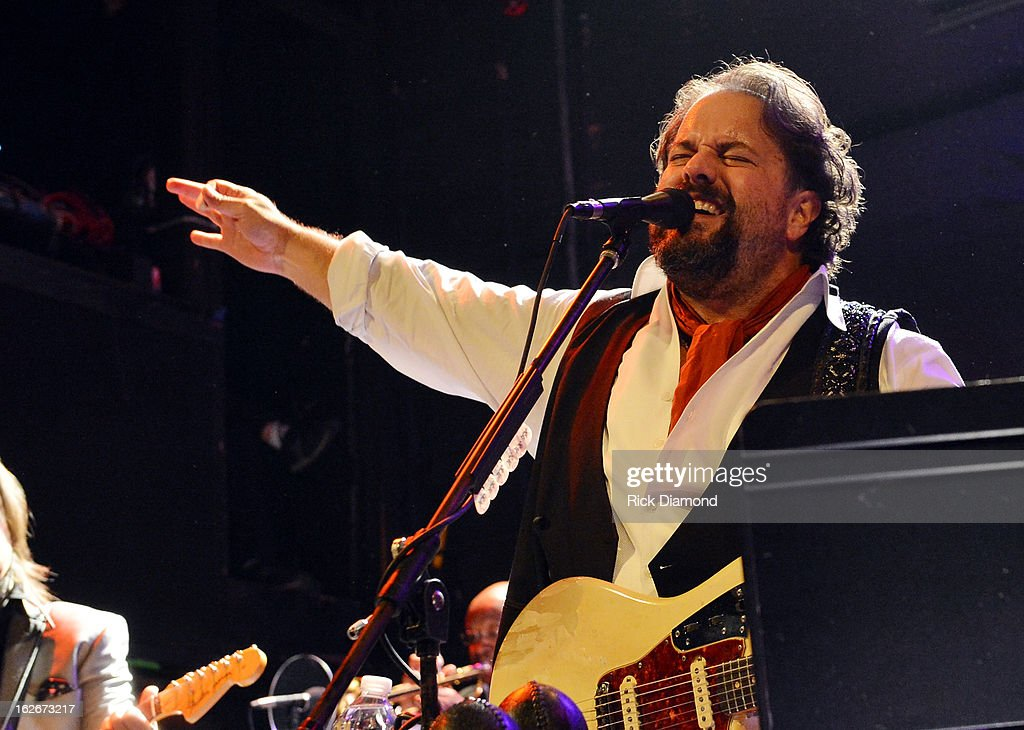 Mavericks member <a gi-track='captionPersonalityLinkClicked' href=/galleries/search?phrase=Raul+Malo&family=editorial&specificpeople=2159740 ng-click='$event.stopPropagation()'>Raul Malo</a> performs during The Mavericks Album release concert for there new album ' In Time' at The Bowery Ballroom on February 25, 2013 in New York City.