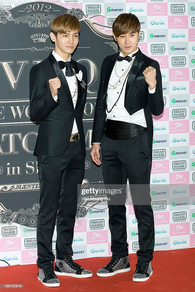 Max and U-Know of South Korean boy band TVXQ pose for media during a press conference before their World Tour concert 'Catch Me' at the Olympic Gymnasium on November 18, 2012 in Seoul, South Korea.