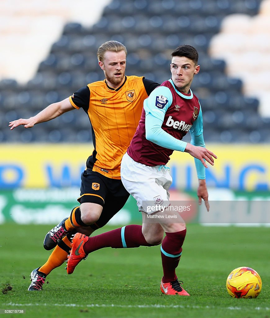 Max Clarke of Hull and Declan Rice of West Ham challenge for the ball during the Second Leg of the Premier League U21 Cup Final at the KC Stadium on May 04, 2016 in Hull, England.