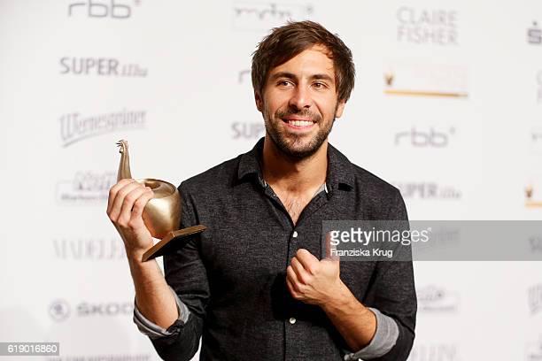 Max Giesinger attends the Goldene Henne on October 28 2016 in Leipzig Germany
