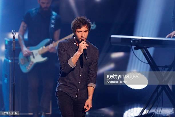 Max Giesinger performs on stage during 'Menschen 2016' ZDF Jahresrueckblick on December 15 2016 in Hamburg Germany
